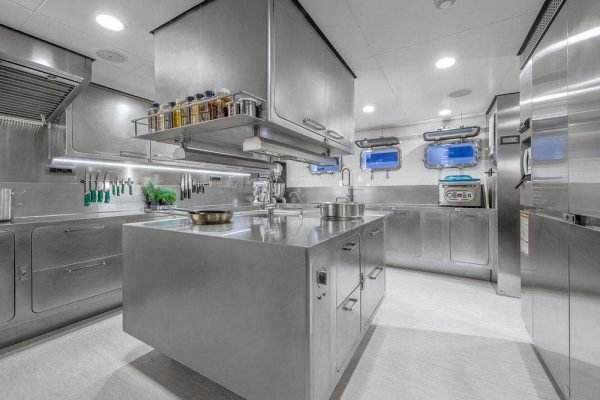 KITCHENS FOR YACHTS