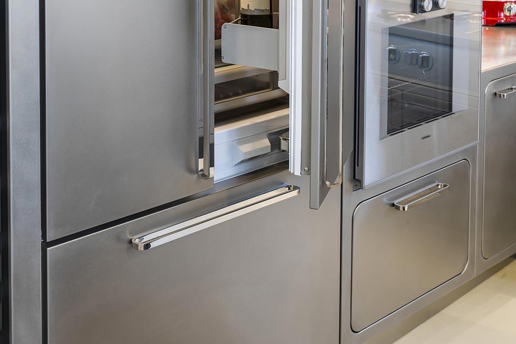 Beautiful cucina acciaio inox images home interior ideas - Cucine in acciaio inox ...