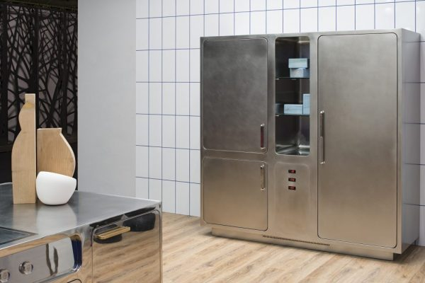 Cold control system in cucina in acciaio inox